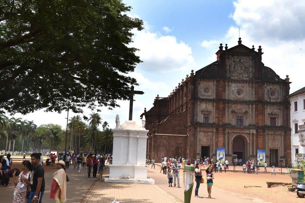 Basilica of Bom Jesus (1)a
