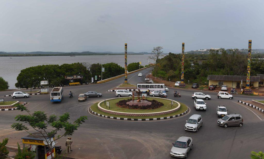 Road Leading to Ferry Point and Old Goa-01