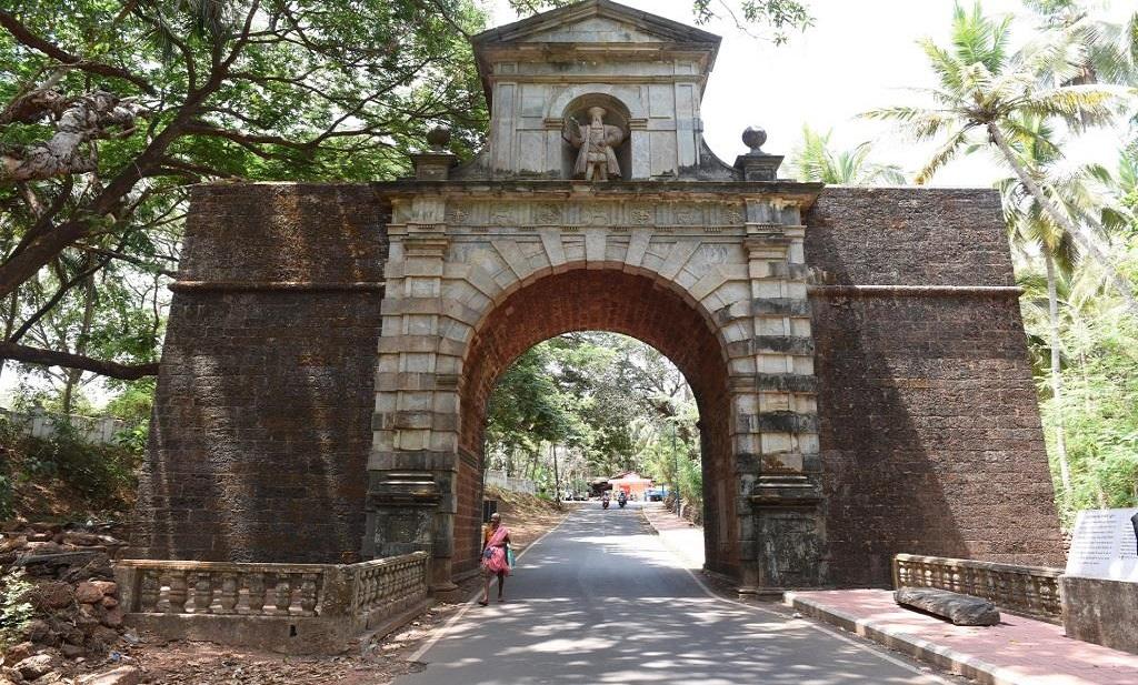Vasco Da Gama Gate (2)